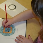 Child tracing circle